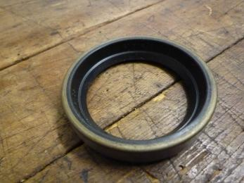 outer rear axle seal ring
