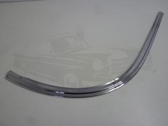 garnish moulding windshield right AT